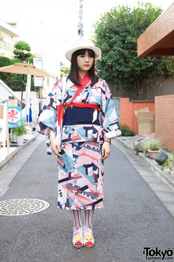 history of japanese street fashion Japanese fashion trends fashion in japan is known worldwide for setting the global fashion trends on the street and in high fashion on our blog, our trend forecasters bring you fresh.