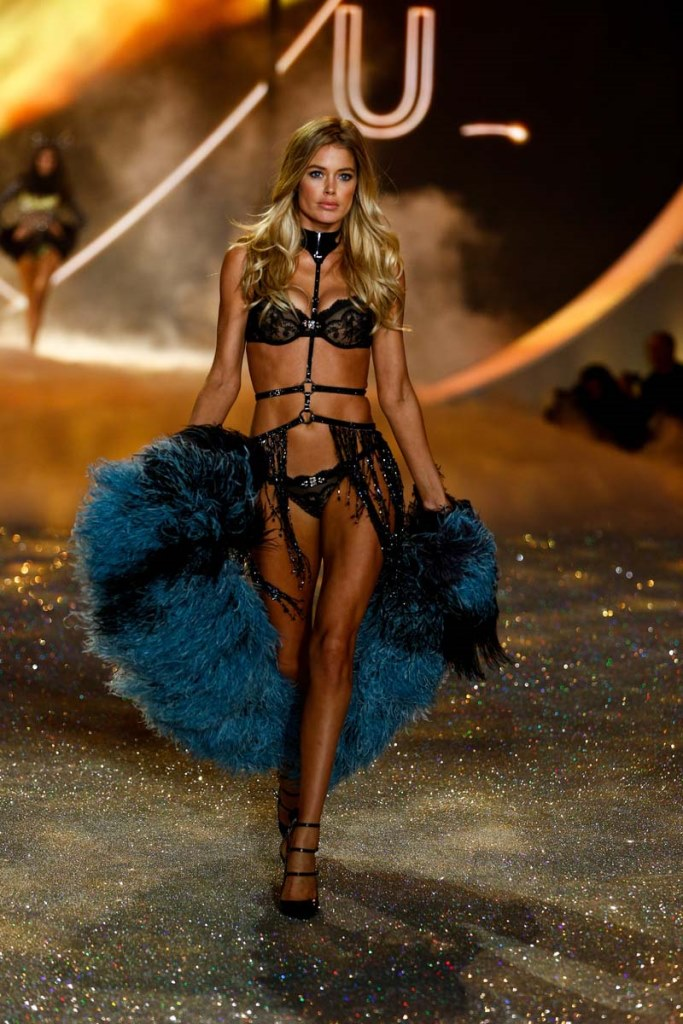 726cbb9b3d Doutzen Kroes walks the runway at the 2013 Victoria s Secret Fashion Show  in New York City on November 13th